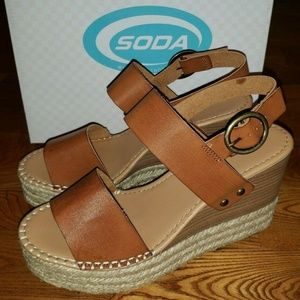 NIB Women's Tan SODA Wedge Heels